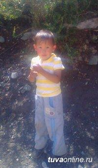Почти сутки провел в горах Очур Оолак из сумона Эйлиг-Хем Улуг-Хемского района Тувы, которому от роду всего 3 годика 7 месяцев.