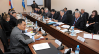 Рынок труда должен быть под особым контролем муниципальных властей - Шолбан Кара-оол