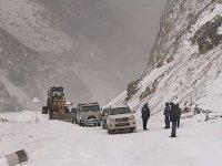 Тува. На перевалах третьи сутки идет снег