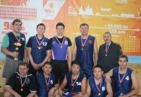 Определены команды-чемпионы Тувы 2013 года по баскетболу