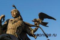 Скульптуры на темы номадов древней Тувы сделали Даши Намдакова Художником Года в Италии