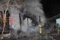 Пожар в складских помещениях Центрального рынка Кызыла был ликвидирован в час ночи