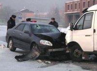 В Кызыле столкнулись три автомашины. Пострадали 7 человек