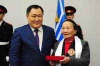 Первым кавалером ордена «Буян-Бадыргы» стал ученый, писатель, шамановед Монгуш Кенин-Лопсан