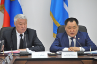 Глава Тувы выступил с отчетом о работе Правительства республики в 2013 году