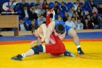 Трое студентов ТувГУ завоевали путевки на Чемпионат России по спортивной борьбе