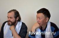 Девять скульпторов из регионов России, Монголии и Кыргызстана творят работы к юбилею Тувы и Кызыла