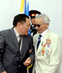 Ко Дню России в Туве вручены государственные награды