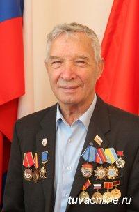 Юбилейные медали «100 лет Кызылу» вручены строителям