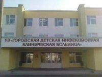 Вице-премьер Анатолий Дамба-Хуурак побывал в московских больницах, где проходят лечение отравившиеся в поезде дети