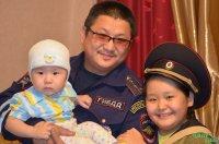 В Туве полицейские спасли семью дачников от пожара