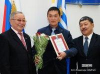 Государственными наградами отмечены лучшие педагоги Тувы