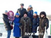 Москвичи, нашедшие у м. «Ботанический сад»  карту памяти с фотоальбомом тувинской семьи, просят откликнуться хозяев