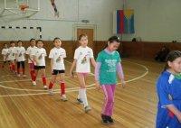 Школьников Кызыла на каникулах ждет МИНИ-ФУТБОЛ!
