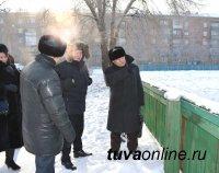 Дворовой хоккей отвлечет мальчишек Кызыла от компьютеров и «ничегонеделания» – власти Кызыла
