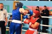 Алантос Куулар - чемпионка Сибири по боксу