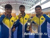 Мужская команда лучников Тувы заняла первое место в «классическом луке» на Чемпионате России 2015 года