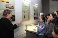 Депутаты Александр Санчат и Эрес Хайын организовали для тесхемских школьников экскурсию в Кызыл