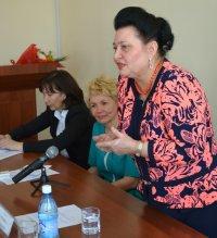 В Туве с рабочей поездкой находится депутат Госдумы Раиса Кармазина