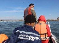 Кызыл: спасатели продолжают поиски спрыгнувшей с моста женщины