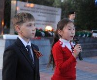 Школьники Кызыла соревновались за право нести почетный караул в дни празднования 70-летия Победы