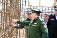 Замминистра обороны РФ Руслан Цаликов и Глава Тувы Шолбан Кара-оол осмотрели строительные объекты