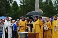 По улицам Кызыла прошел Крестный ход против алкоголизма, наркомании и курения