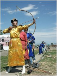 Монголия отмечает Наадам (праздник животноводов) и День революции