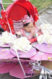 День Российского флага в Туве отметят традиционным Парадом Колясок