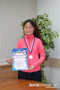 Самара: Студентка из Тувы Чайзат Одекей поражает своей спортивной универсальностью