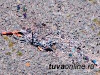 Тува: спасатели подготовили части вертолета для транспортировки