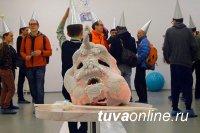 Москва. Персональная выставка уроженца Тувы Евгения Антуфьева на 6-й Московской Биеннале