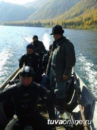 В Каа-Хемском районе Тувы возобновлены поиски пропавших на воде трех рыбаков