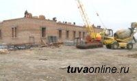 В Туве идет строительство православного храма в древних русских традициях и буддийского комплекса высотой c 17-этажный дом