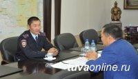 Глава Тувы обсудил с лучшим участковым уполномоченным полиции меры эффективной борьбы с преступностью