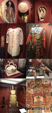 В Санкт-Петербурге работает выставка о сибирских шаманах