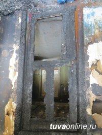 Дом участкового в с. Эрзин, где он жил с семьей, ночью пытались сжечь