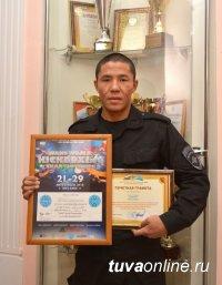 Полицейский из Тувы завоевал серебряную медаль в Чемпионате Мира по кикбоксингу