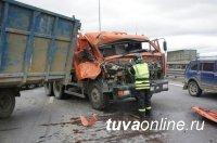 ДТП со смертями в Туве происходят в основном из-за водителей грузовиков