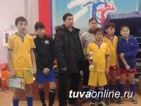 Юные футболисты Хову-Аксы заняли второе место на окружном этапе Всероссийского турнира по мини-футболу среди школьников Сибири!