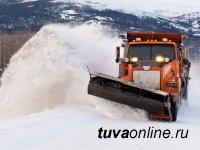 На автодорогах в восточном направлении Тувы из-за снегопада затруднен проезд