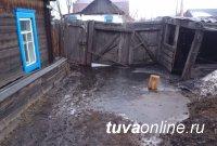 В Каа-Хемском районе Тувы подтопило талыми водами приусадебные участки 7 домов