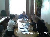 55 человек сегодня были приняты в Общественной приемной Хурала представителей Кызыла по земельным вопросам