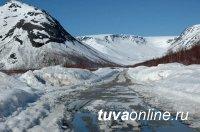 В связи с резким потеплением в Туве на отдельных автодорогах ограничено движение для большегрузов