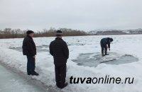 В Кызыле противопаводковая комиссия проводит обследование Енисея