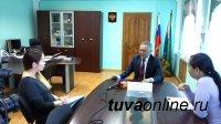 В Туве алиментщика с долгом в 1 млн. рублей  судебные приставы пригрозили ссадить с автомобиля. Подействовало. Долги по алиментам заплатил
