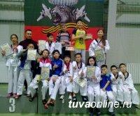 У 7-х спортсменов Тувы медали открытого Первенства Саяногорска по тхэквондо
