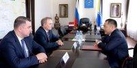 Премьеру Шолбану Кара-оолу представили нового Главного федерального инспектора по Республике Тыва