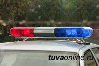 На въезде в город Кызыл инспектор ДПС задержал водителя грузовика, находящегося в федеральном розыске