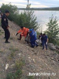 В Кызыле подростки спасли прыгнувшую с Коммунального моста женщину